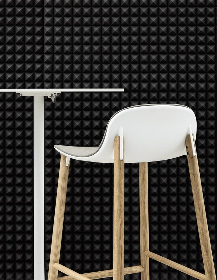 Sharky Stool, Stool with wooden legs, with durable seat