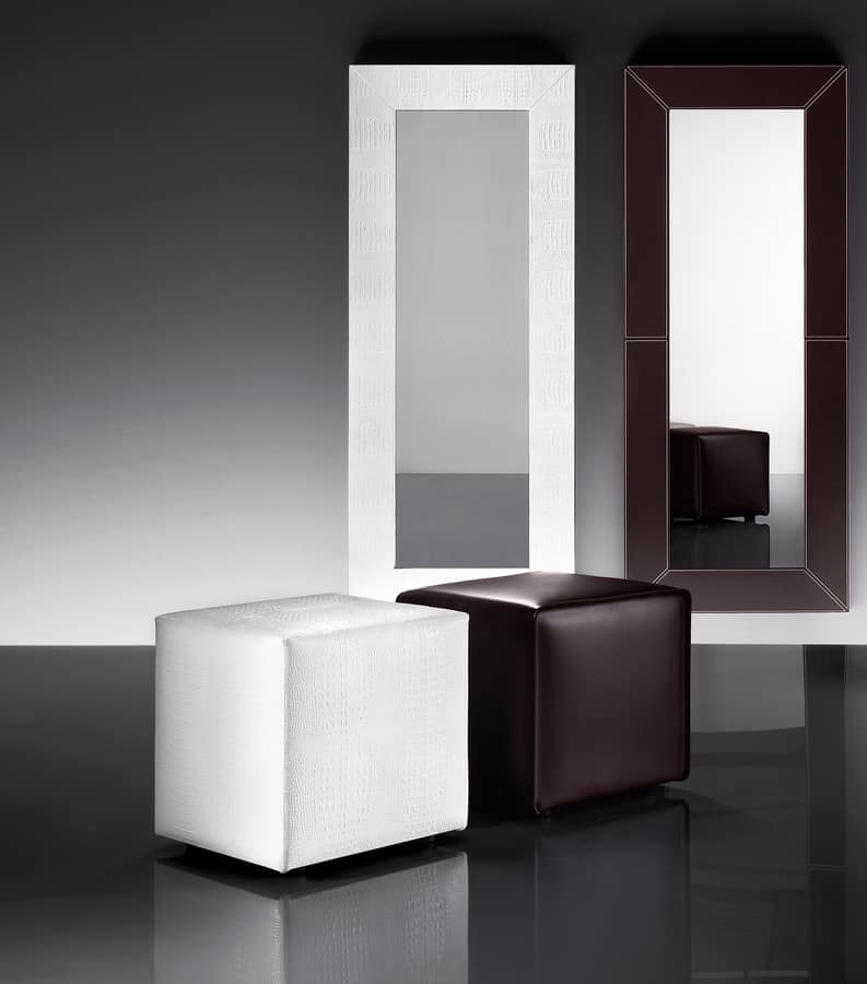 ART. 961 KUBO POUF, Pouf upholstered in leather or imitation leather, square