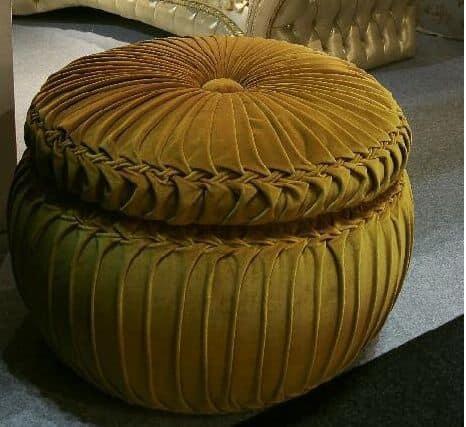 Bon bon, Round upholstered pouf, covered in velvet, handmade