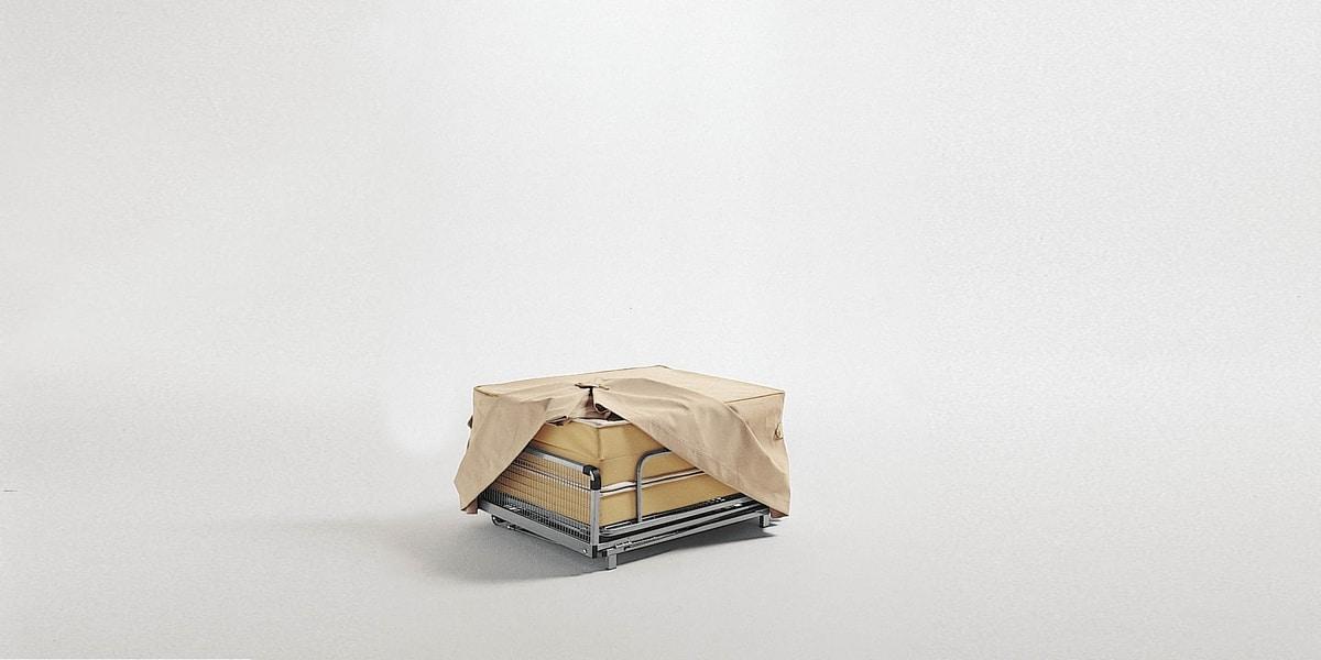 Dizzy pouf, Pouf convertible into a bed
