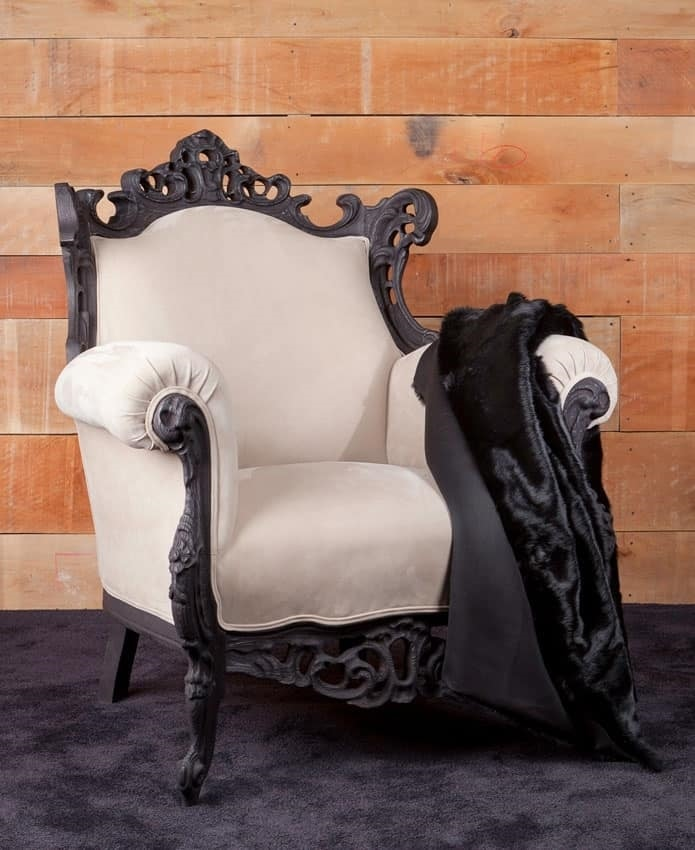 Finlandia fabric, Classic style armchair with carved legs
