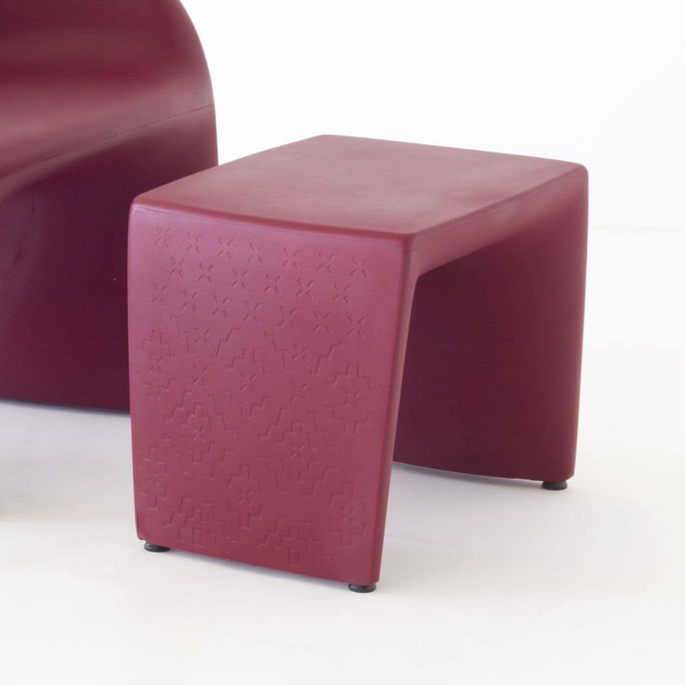 Pop, Modern plastic pouf ideal for contract