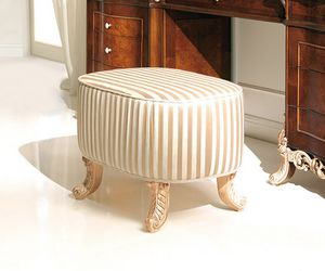 Art. 800/P, Comfortable padded pouf with carved legs