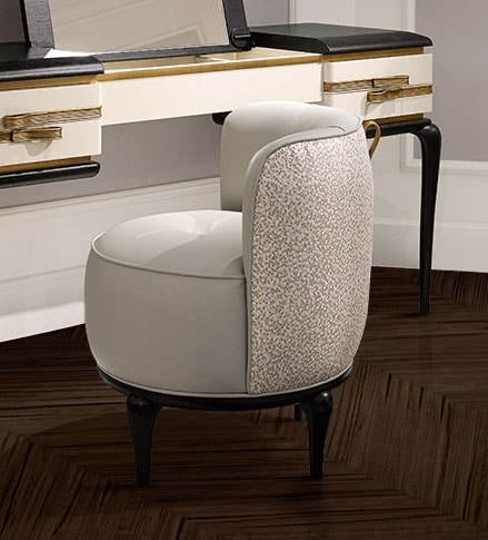 Dilan Art. D62, Comfortable pouf with rear handle