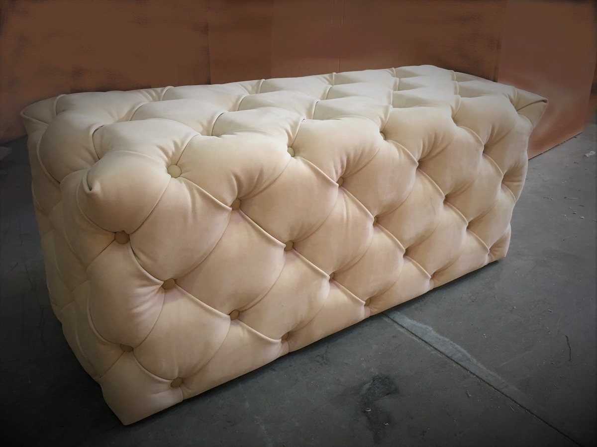 Myfair pouf, Capitonné pouf, custom-made