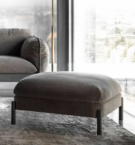 Tarantino Ottoman, Pouf with rounded shape