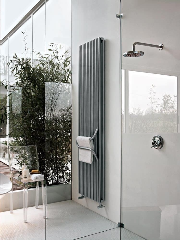 Arkos, Bathroom radiator, with towel rail handle