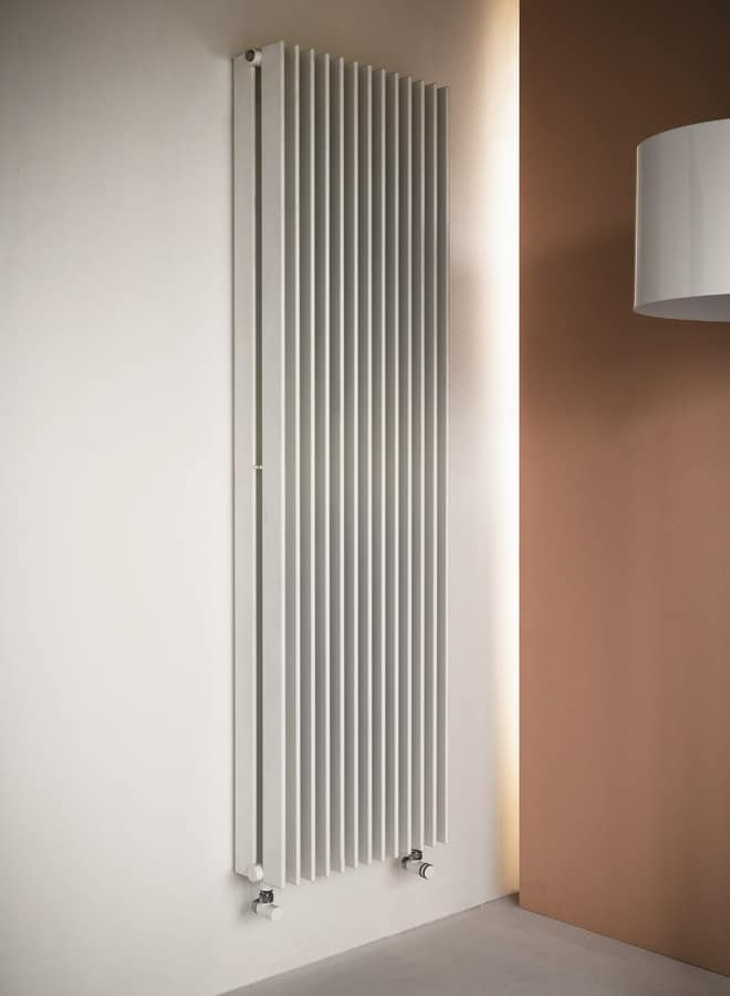 Column, Radiator with high thermal yield while taking up minimum space