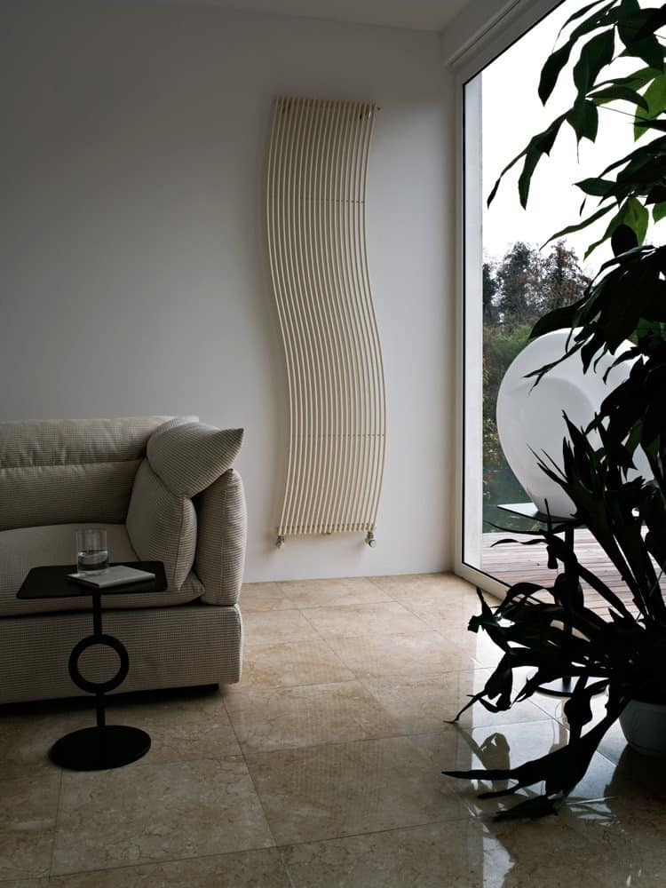 Hola, Refined radiator with a sinuous shape for each environment