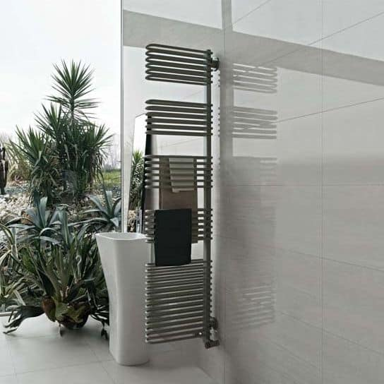 Totem, Radiator towel rail, that can be used as a room divider