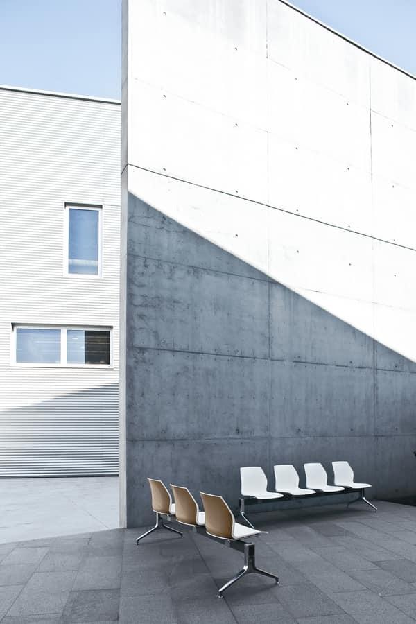 Kalea bench, Waiting bench with polypropylene shell