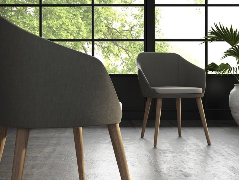 MIMÌ, Small armchair with wooden legs