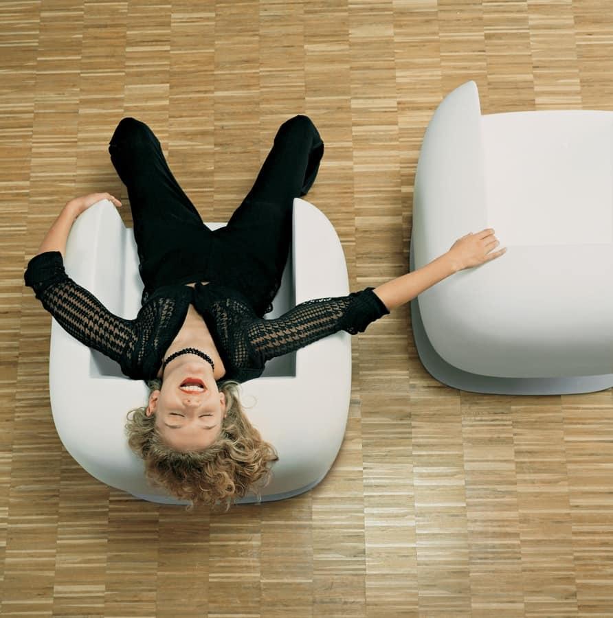 BIG JIM, Modern armchair in single shell, in polyethylene on steel base