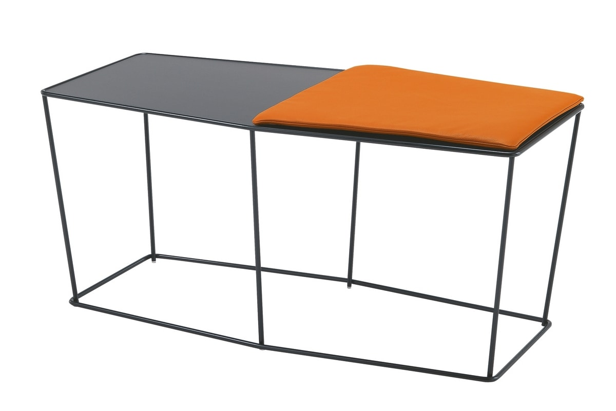 Paul&Frank, Coffee tables for waiting areas