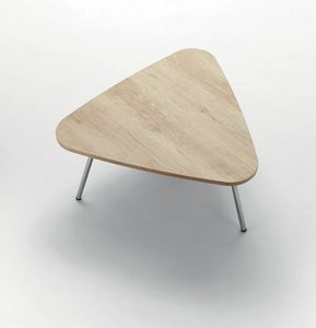 UF 914, Coffee table with triangular top