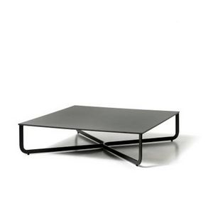 XL, Coffee table in metal tube, top in lacquered wood