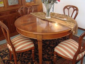 Art. 133, Round dining table, with extensible top