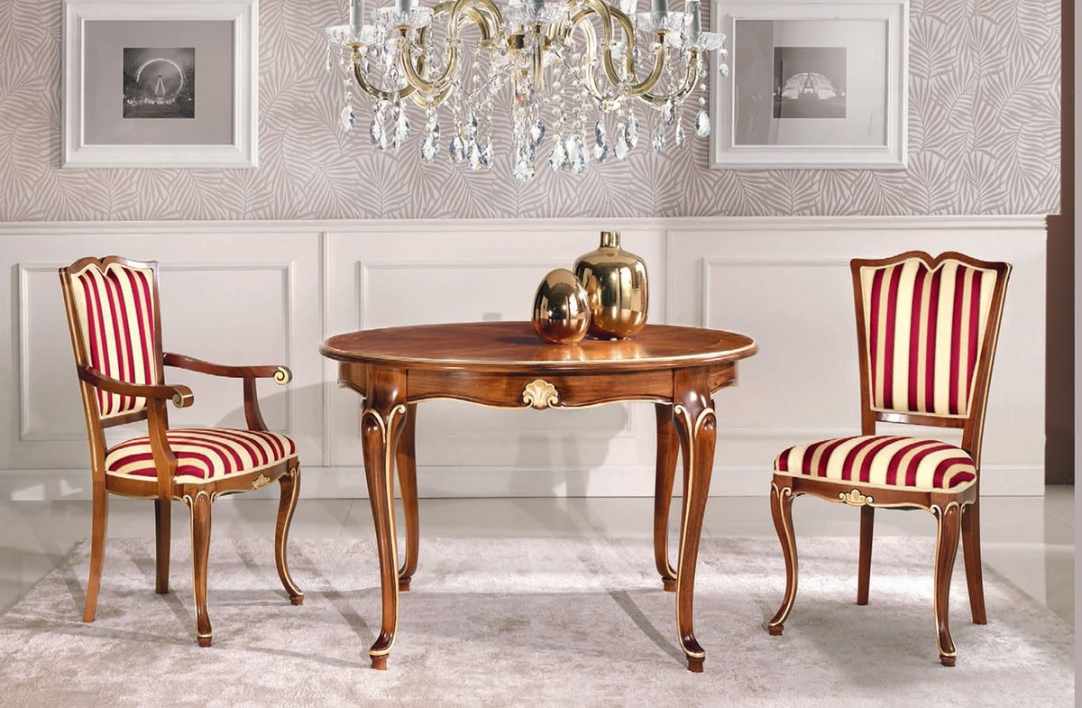 Art. 3038, Round table with extendable top