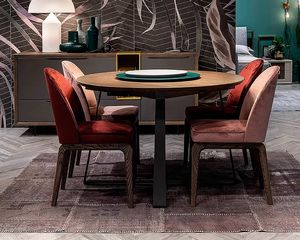 Desi, Round extendable table