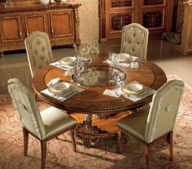 Esimia table, Round dining table, with handcrafted carvings