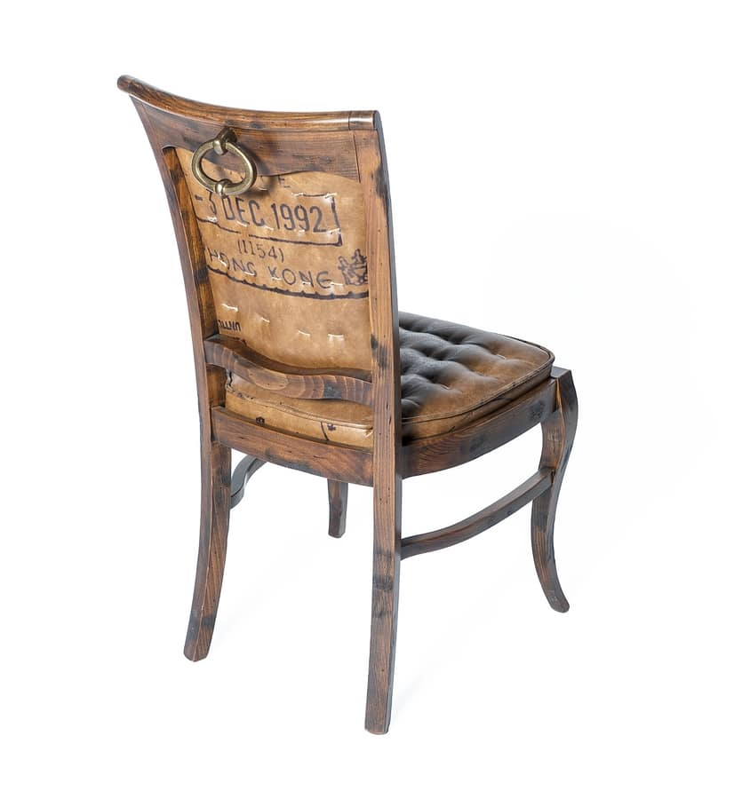 Art. 647, Luxurious country leather chair