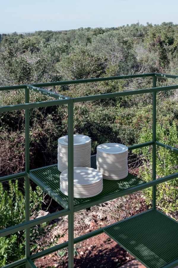 Regoli, Metal shelves, also suitable for outdoor use