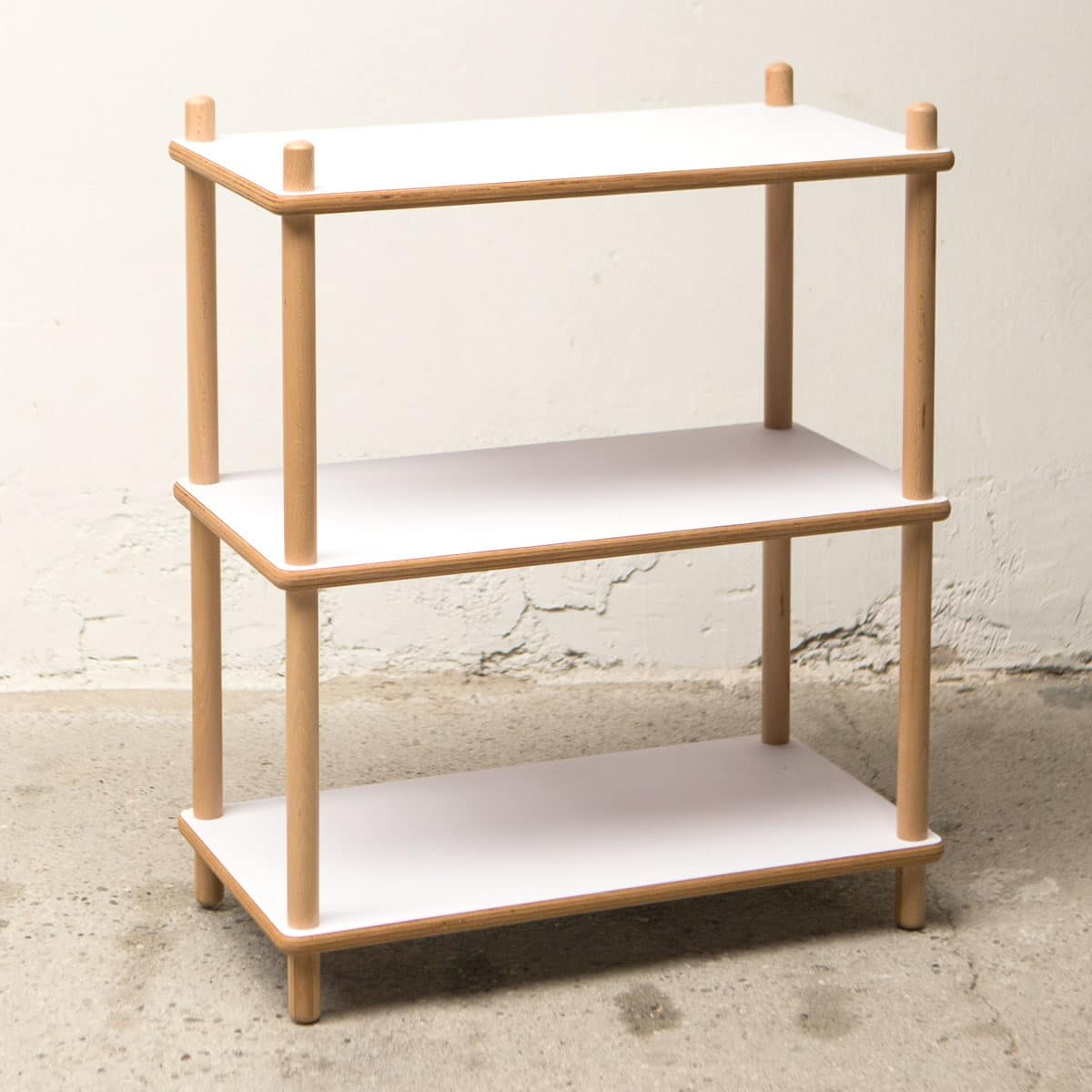 Shelf Bolz, Shelf in beech and plywood, for domestic use