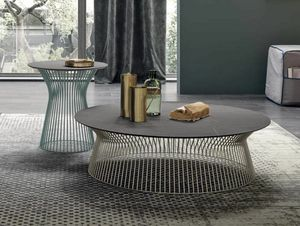 Brigitte, Small tables with a refined design