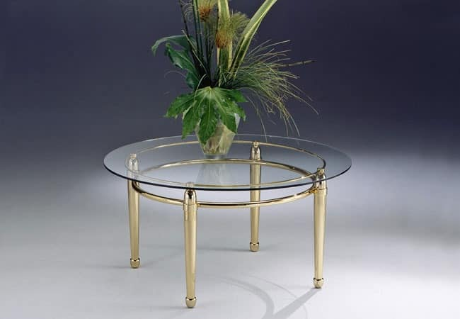 CARTESIO 262, Low table with linear structure in brass and glass