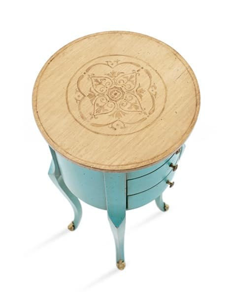 KAO Art. 4256, Lacquered coffee table with round top in walnut, classic