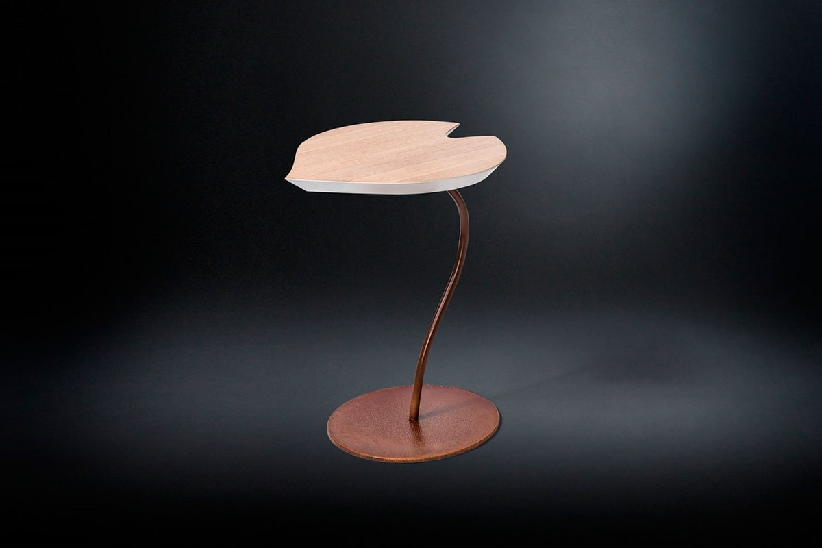 Leaf Corten, Side table with leaf-shaped top