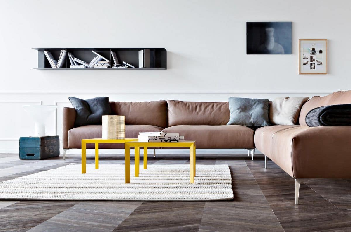 Mono, Coffee table with a sober design, in painted metal