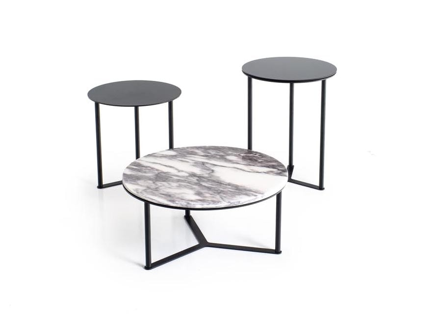 Rod, Round small tables with customizable top