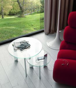 t118 duo, Pair of small tables with round glass top