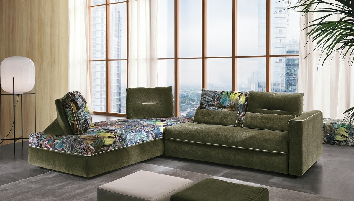 Flam, Sofa with fantasy inspired by tropical forests