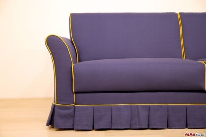 Madrid, Classic sofa with flounce, completely removable
