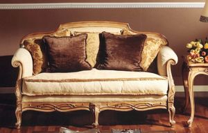 3110 sofa, Classic sofa with carvings