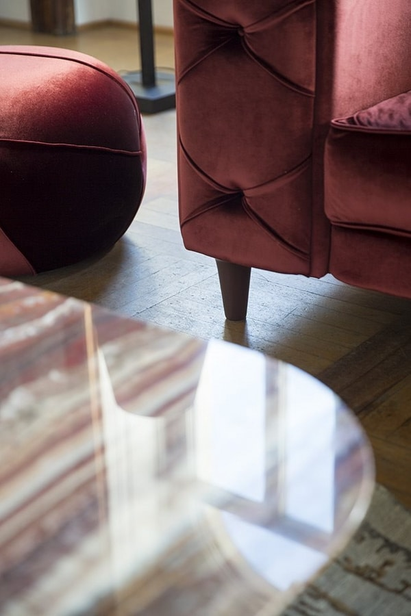 Belmondo, Sofa with capitonné work