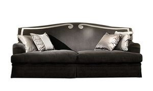Clementina, Sofa with a traditional design
