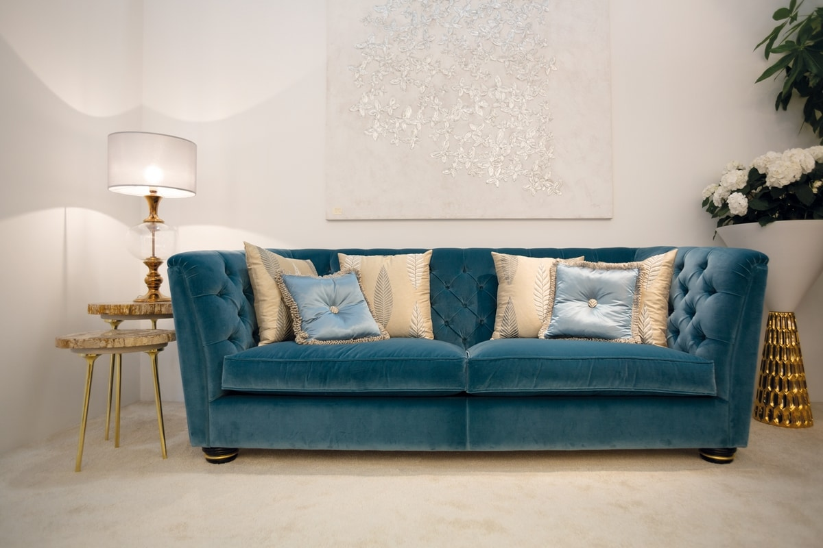 Marlene, Sofa classic and contemporary at the same time