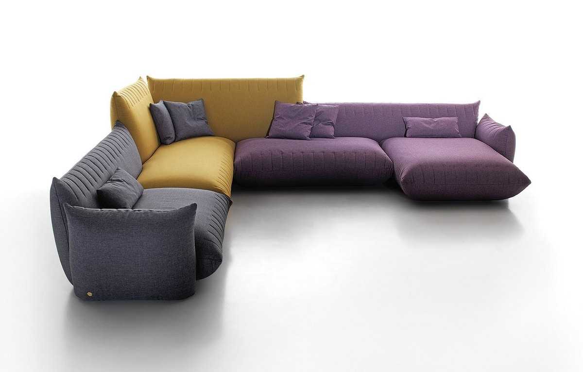Bellavita, Sofa with rounded shapes