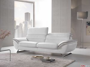 Cruise, Elegant and comfortable modern sofa with steel feet