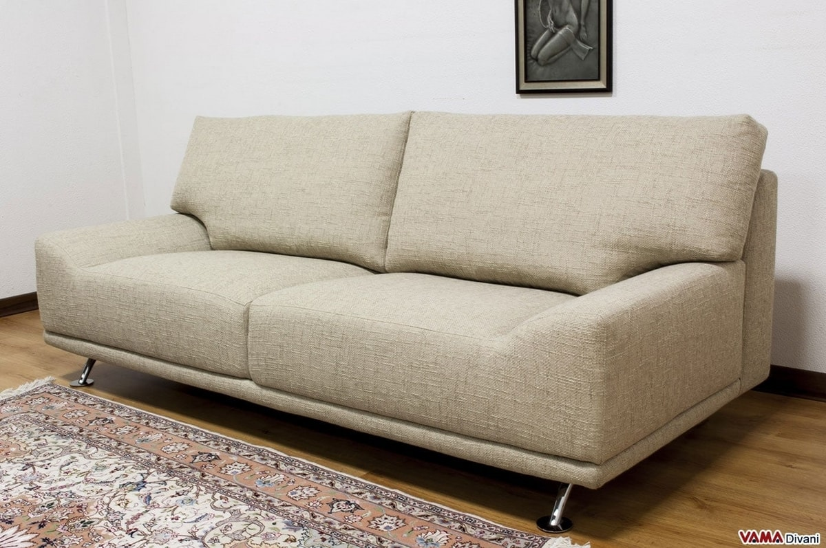 Ginger, Original sofa with low armrests integrated into the seat