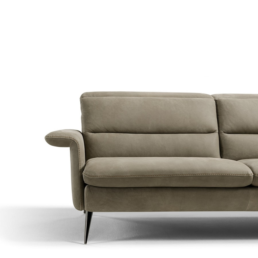 Ives, Sofa inspired by the retro style of the 50s