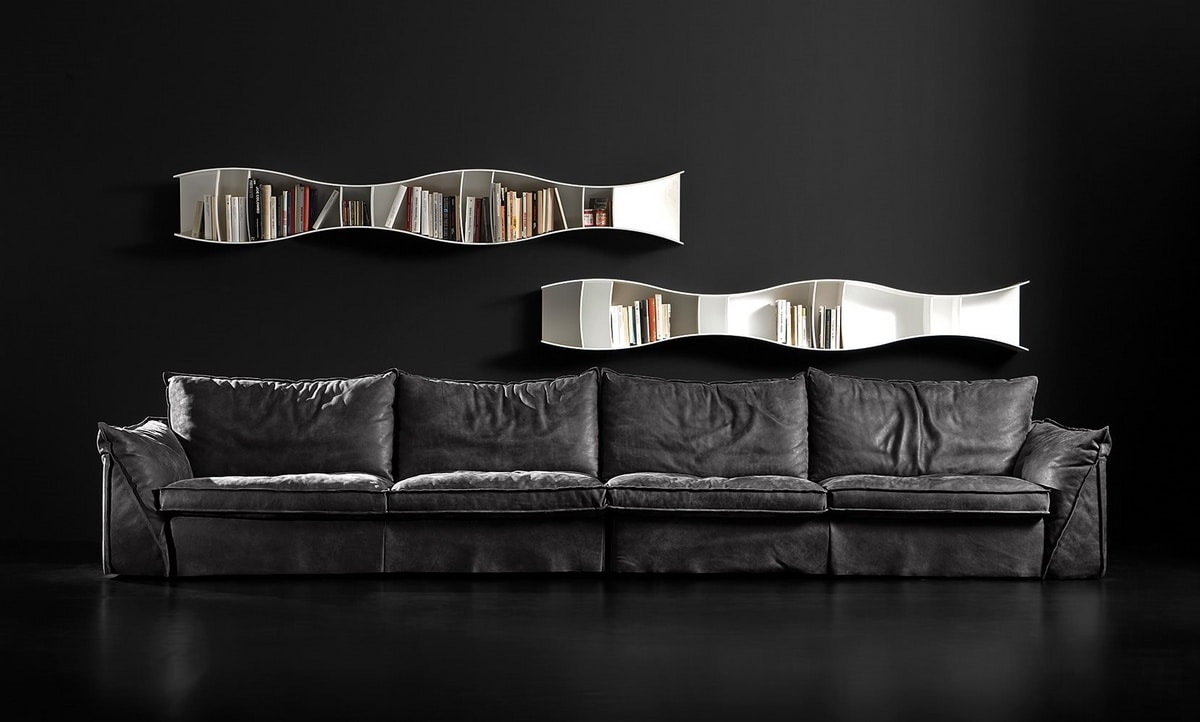 Pitagora, Sofa with extremely soft lines