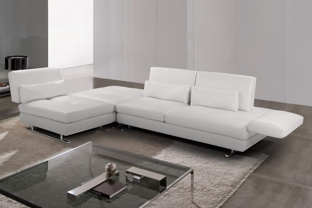Serena, Leather sofa with chaise longue and armrests