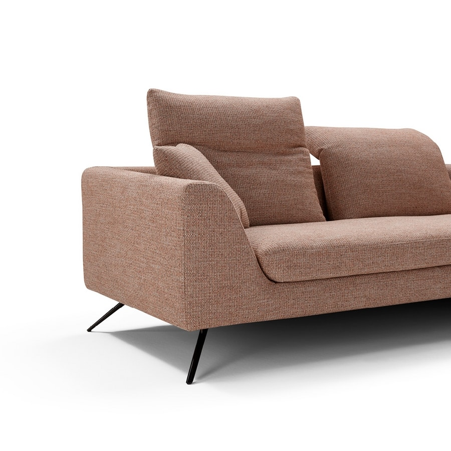 Soprano, Modern sofa with movable backrests