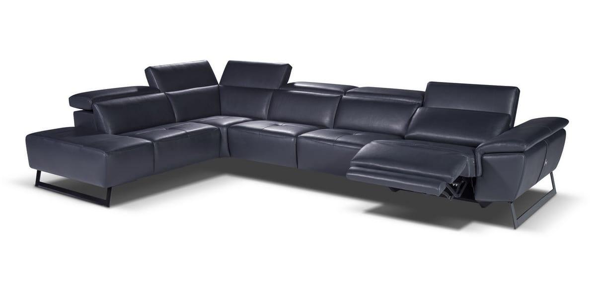 Large corner sofa in leather | IDFdesign