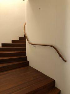 Art. C04, Shaped handrail in teak