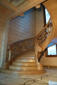 Art. E06, Wooden staircase with fine carvings